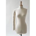 Bras de mannequin - Bras de buste mannequin en kapock recouvert de toile écrue avec lignes de construction. Épaulette d'adaptation sur le mannequin. Disponible en bras gauche ou droit et en paire.