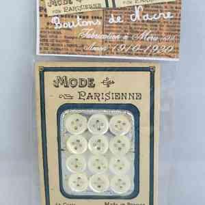 Carte de boutons de nacre - Boutons réalisés au début du siècle dernier à Méru dans l'Oise