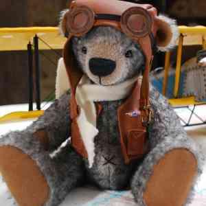 Kit ours traditionnel - Kit de couture vous permettant de réaliser des ours à l'ancienne.  Chaque kit comprend le matériel nécessaire à la confection de l'ours ainsi que son patron et ses explications.