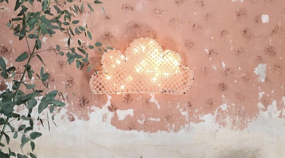 Claire rougerie, artiste invité sur Aiguille en fête - Blanc tradition passion