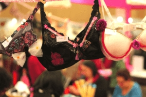 Association Pink Bra Bazaar - Animation - AEF - 2017